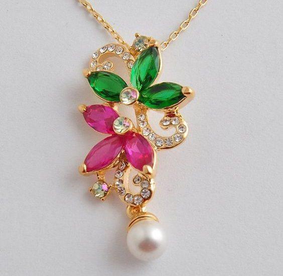 light-weight-gemstone-pendant