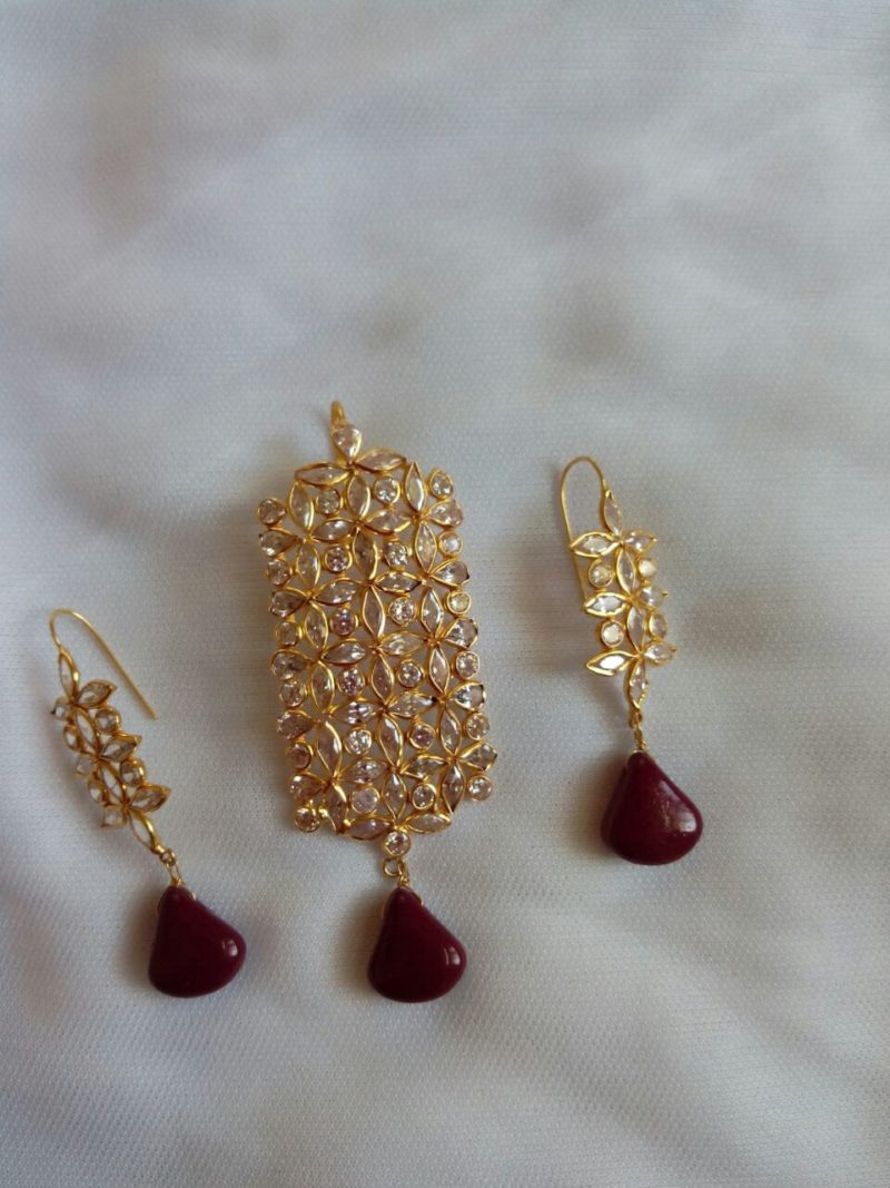 Light Weight Czs And Ruby Drops Pendant Set