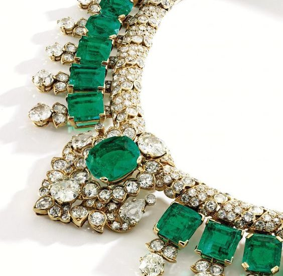 Indian-inspired 18k diamond necklace by Cartier