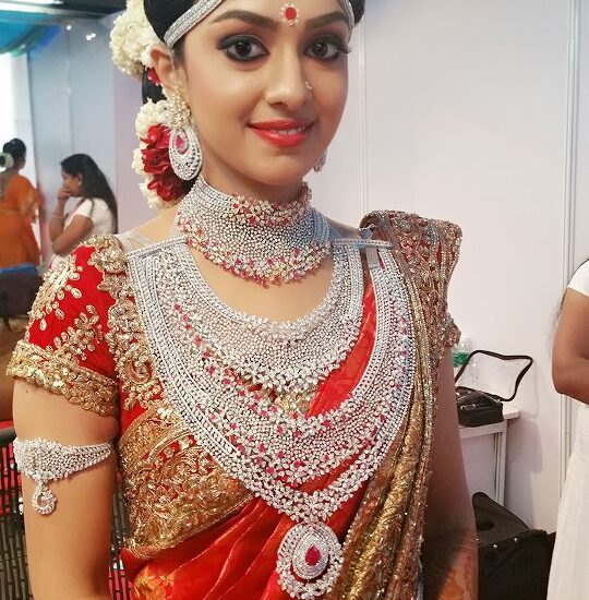arathi-ravi-pillai-diamond-wedding-jewellery