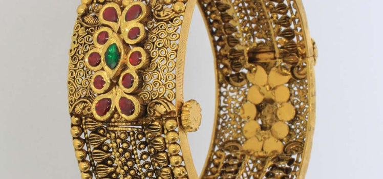 antique gold bangles collection from karpagam jewellers